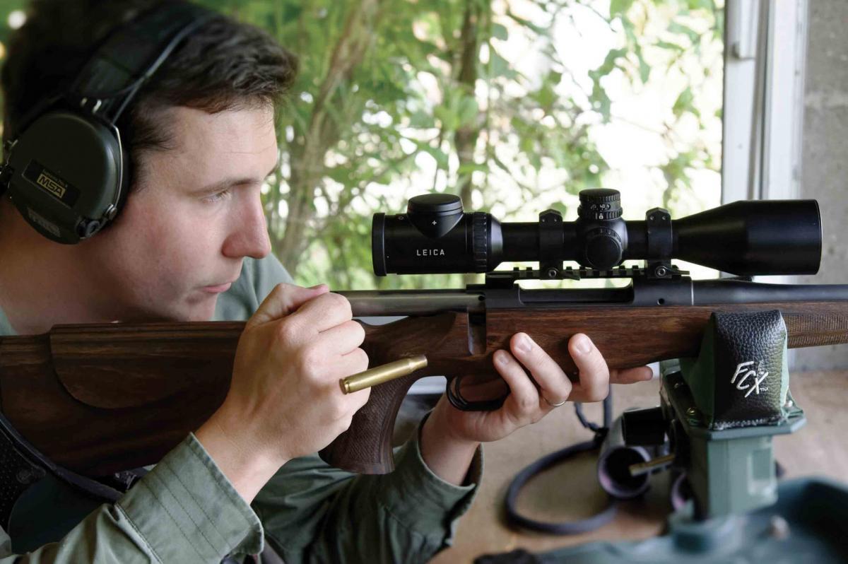 La lunette Leica modèle Magnus 1,8-12x50i